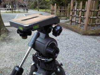 カメラ・レンズ・用品関連 ベルボン 大型三脚マーク7(ちょっと改造品)とプロストラップL