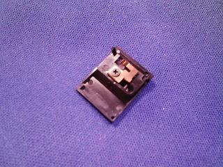 カメラ・レンズ・用品関連 キヤノン EOS用広角レンズ EF35mmF2 AFとMFの切り替えスイッチ外れの修理
