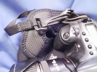 カメラ・レンズ・用品関連 以前は銀一取り扱い ZING(ジング)のカメラカバー(カメラケース) 登山向き