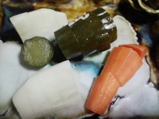 本日の晩ご飯のおかずの写真 宮城産カツオの刺身、お米入りロールキャベツなど