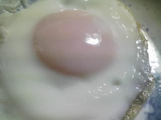 本日の朝ご飯のおかずの写真 長崎産アジの開き、イワシ出汁の味噌汁など