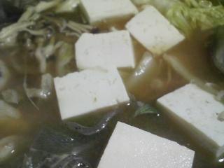 本日の晩ご飯のおかずの写真 青森産アンコウの鍋、自家製香の物