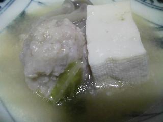 本日の晩ご飯のおかずの写真 神奈川の三浦産カタクチイワシを使った柳川、自家製鶏肉の肉団子の鍋、くらかけ豆の煮物など