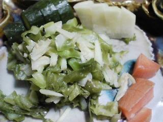 本日の晩ご飯のおかずの写真 神奈川の三浦産サヨリの塩焼き、青アジ出汁の野菜鍋など