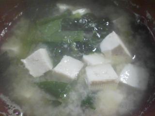 本日の朝ご飯のおかずの写真 国内加工ノルウェー産カラフトシシャモ、煮干し出汁の味噌汁など