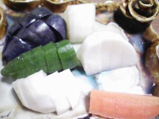 本日の晩ご飯のおかずの写真 神奈川の横須賀産コノシロのなめろう、豚肉の塩胡椒焼き、青森産ホタテの稚貝の味噌汁など