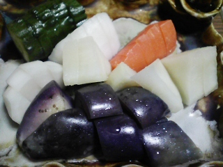 本日の晩ご飯のおかずの写真 鹿児島産生本マグロのカマの刺身、塩焼き、ゴマサバ出汁の吸い物など