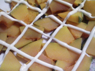 本日の朝ご飯のおかずの写真 千葉産ゴマサバの塩焼き、サバ出汁の味噌汁など