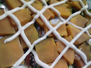 本日の朝ご飯のおかずの写真 千葉産アジの開き、煮干し出汁の味噌汁など