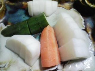 本日の晩ご飯のおかずの写真 いなり寿司、鹿児島産本マグロのカマの塩焼きなど