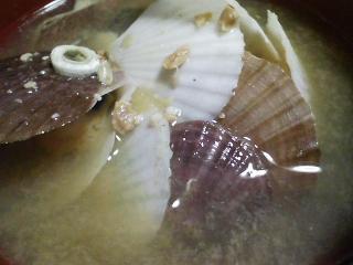 本日の晩ご飯のおかずの写真 千葉産真サバの刺身、なめろう、青森産ホタテの稚貝の味噌汁など