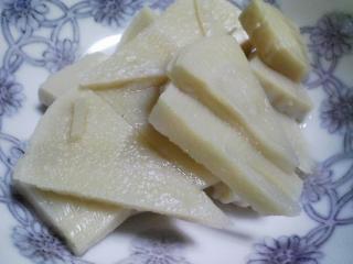 本日の晩ご飯のおかずの写真 奄美産本マグロのカマの塩焼き、自家製香の物など