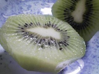 デザート 愛媛産キウイを食べる