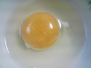 本日の朝ご飯のおかずの写真 神奈川の三浦産サヨリの塩焼き、煮干し出汁の味噌汁など