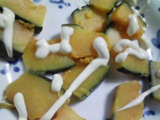 本日の朝ご飯のおかずの写真 千葉産真アジの塩焼き、アジ出汁の味噌汁など