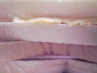 本日のお昼ご飯の写真 自家製サンドイッチ、青森産ホタテの稚貝のミルクシチュー