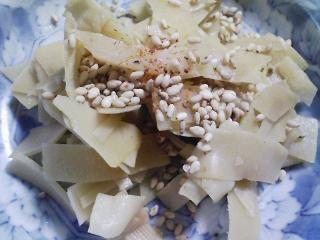 本日の朝ご飯のおかずの写真 北海道産銚子加工のサンマの干物、煮干し出汁の味噌汁など