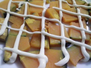 本日の朝ご飯のおかずの写真 神奈川産真アジの塩焼き、アジ出汁の味噌汁など