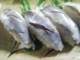 本日の晩ご飯の写真 神奈川の長井産真イワシんk自家製酢漬け寿司、ひよこ豆のスープなど