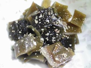 本日の朝ご飯のおかずの写真 シコイワシの柳川、イワシ出汁の味噌汁など