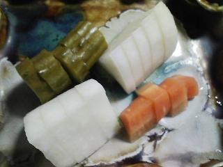 本日の晩ご飯のおかずの写真 奄美産本マグロのカマの刺身、カマの塩焼き、 大根のあんかけなど