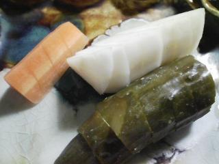本日の晩ご飯のおかずの写真 シメサバ寿司、大根のあんかけなど