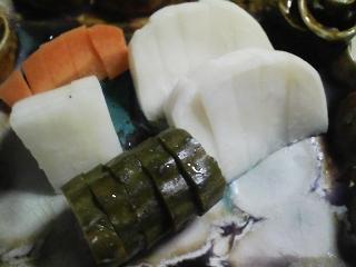 本日の晩ご飯の写真 神奈川の長井産ゴマサバを使ったサバカレー、サラダなど