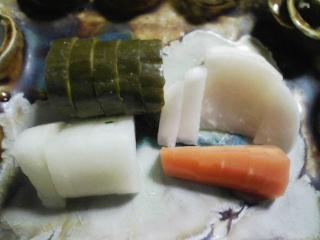 本日の晩ご飯のおかずの写真 北海道産百合根を使った百合根ご飯、エビチリなど
