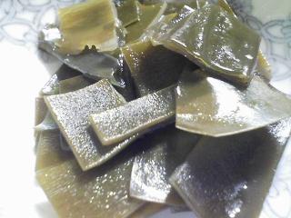 本日の晩ご飯のおかずの写真 神奈川の三崎産真アジの塩焼き、北海道枝幸産干しホタテ貝とひよこ豆のスープなど