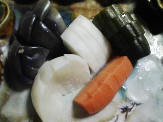 本日の晩ご飯のおかずの写真 神奈川の三崎産真アジの塩焼き、豚汁など