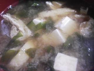 本日の朝ご飯のおかずの写真 ロシア産カラフトシシャモ、煮干し出汁の味噌汁など