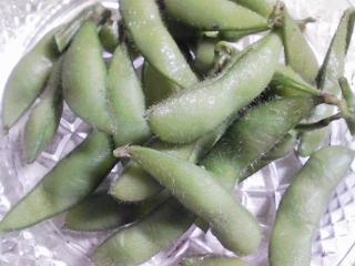 本日の晩ご飯のおかずの写真 北海道産キンキの塩焼き、野菜盛りなど