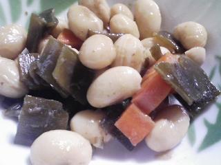 本日の朝ご飯のおかずの写真 長崎産アジの開き、煮干し出汁の味噌汁など