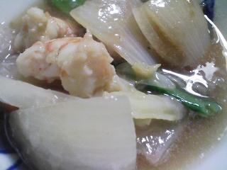 本日のお昼ご飯の写真 北海道マルナカさんのそうめん、士別市日の出食品さんのそば、酢豚など