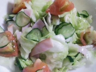 本日の晩ご飯のおかずの写真 千葉産花鯛の塩焼き、サラダなど