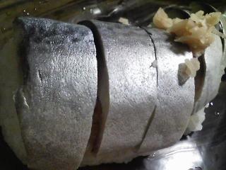 本日の晩ご飯の写真 市販のしめ鯖でしめ鯖寿司、とろろ昆布の吸い物など