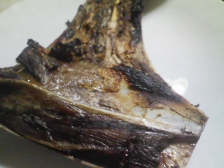 本日の晩ご飯のおかずの写真 インド洋産メバチマグロのカマ塩焼き、利尻産とろろ昆布の吸い物など