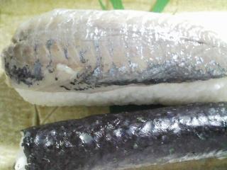 本日の晩ご飯のおかずの写真 神奈川の三浦産真アジの自家製酢漬け寿司、利尻産とろろ昆布の吸い物など