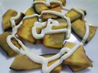 本日の朝ご飯の写真 本マグロのカマ肉のママコドン、愛知産アサリの味噌汁など