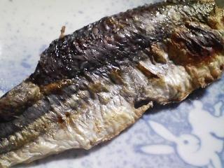 本日の晩ご飯のおかずの写真 宮城産飛び魚の塩焼き、飛び魚出汁の吸い物など