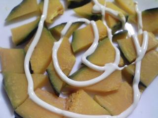 本日の朝ご飯のおかずの写真 千葉産アジの開き、愛知産アサリの味噌汁など