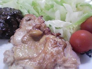 本日のお昼ご飯の写真 鶏肉のショウガ焼き、枝豆