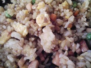 本日のお昼ご飯の写真 酢飯の混ぜご飯、人参のスープなど