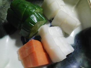 本日の晩ご飯のおかずの写真 神奈川の横須賀産カマスの塩焼き、自家製香の物など