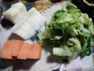 本日の晩ご飯のおかずの写真 神奈川の横須賀産真アジの塩焼き、豚汁など