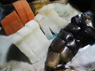 本日の晩ご飯の写真 しめ鯖寿司、鶏肉と野菜のシチューなど