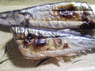 本日の晩ご飯のおかずの写真 諏訪産松茸で真付けたご飯と茶碗蒸しなど