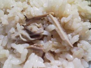 本日の晩ご飯のおかずの写真 諏訪産松茸のご飯、青森産真サバの塩焼きなど
