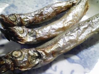 本日の朝ご飯のおかずの写真 函館のマルキチ食品さんのニシンの昆布巻き、サバ出汁の味噌汁など