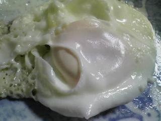 本日の朝ご飯のおかずの写真 神奈川の松輪産真サバの開きの半身、煮干し出汁の味噌汁など